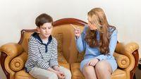 Apakah yang Dimaksud dengan Helicopter Parenting? (Julia-Kuznetsova/shutterstock)