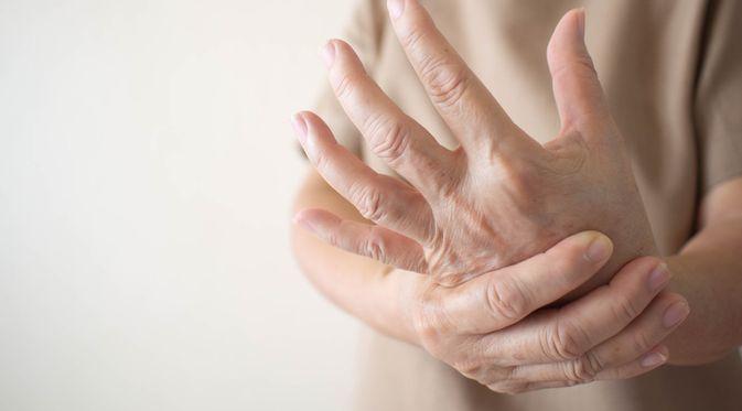 Penyakit Raynaud (Orawan Pattarawimonchai/Shutterstock)