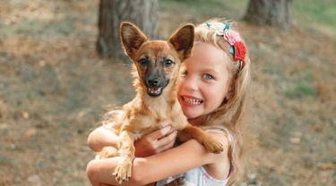 Anak Menggigit Binatang Sampai Mati, Gejala Gangguan Mental Apa? (PhotoSunny/Shutterstock)