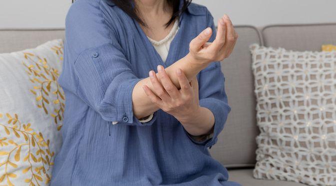 Penyakit Mati Rasa (Aijiro/Shutterstock)