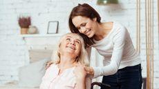 5 Hal yang Perlu Dilakukan Keluarga Saat Merawat Pasien Lansia (YAKOBCHUK-VIACHESLAV/Shutterstock)