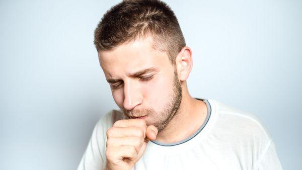 Penyakit Batuk Kering (Borysevych.com/Shutterstock)