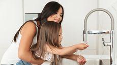 Ajarkan Kebiasaan Ini agar Anak Terhindar dari Kuman (Dean Drobot/Shutterstock)