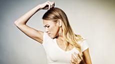 Tidak Bisa Mencium Bau Badan Sendiri, Apa Penyebabnya? (Igor-Palamarchuk/Shutterstock)